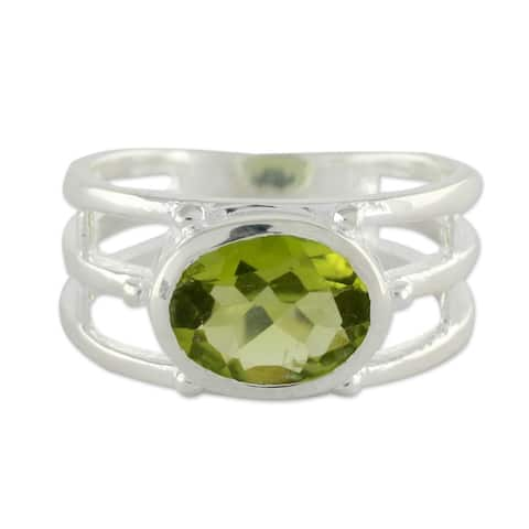 Handmade Sterling Silver Forest Glow Peridot Ring (India)