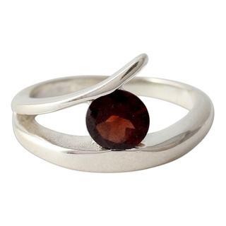 Handmade Sterling Silver 'Dazzling Love' Garnet Ring (India)