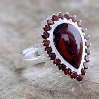 Handcrafted Sterling Silver 'Mughal Empress' Garnet Ring (India)