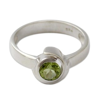 Handcrafted Sterling Silver 'Sea of Love' Peridot Ring (India)
