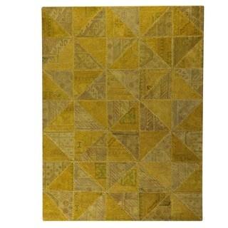 Hand-Tufted Indo Tile Light Gold Rug (7'10 x 9'10)