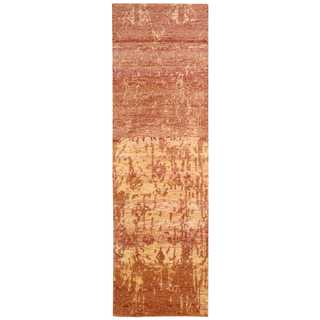 Nourison Silk Shadows Flame Area Rug (2'3 x 8')