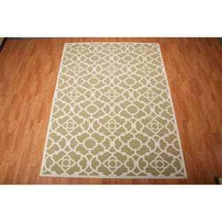 Waverly Sun N' Shade Lovely Lattice Green Indoor/ Outdoor Rug by Nourison (7'9 x 10'10)