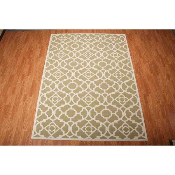 Waverly Sun N' Shade Lovely Lattice Green Indoor/ Outdoor Rug by Nourison - 7'9 x 10'10