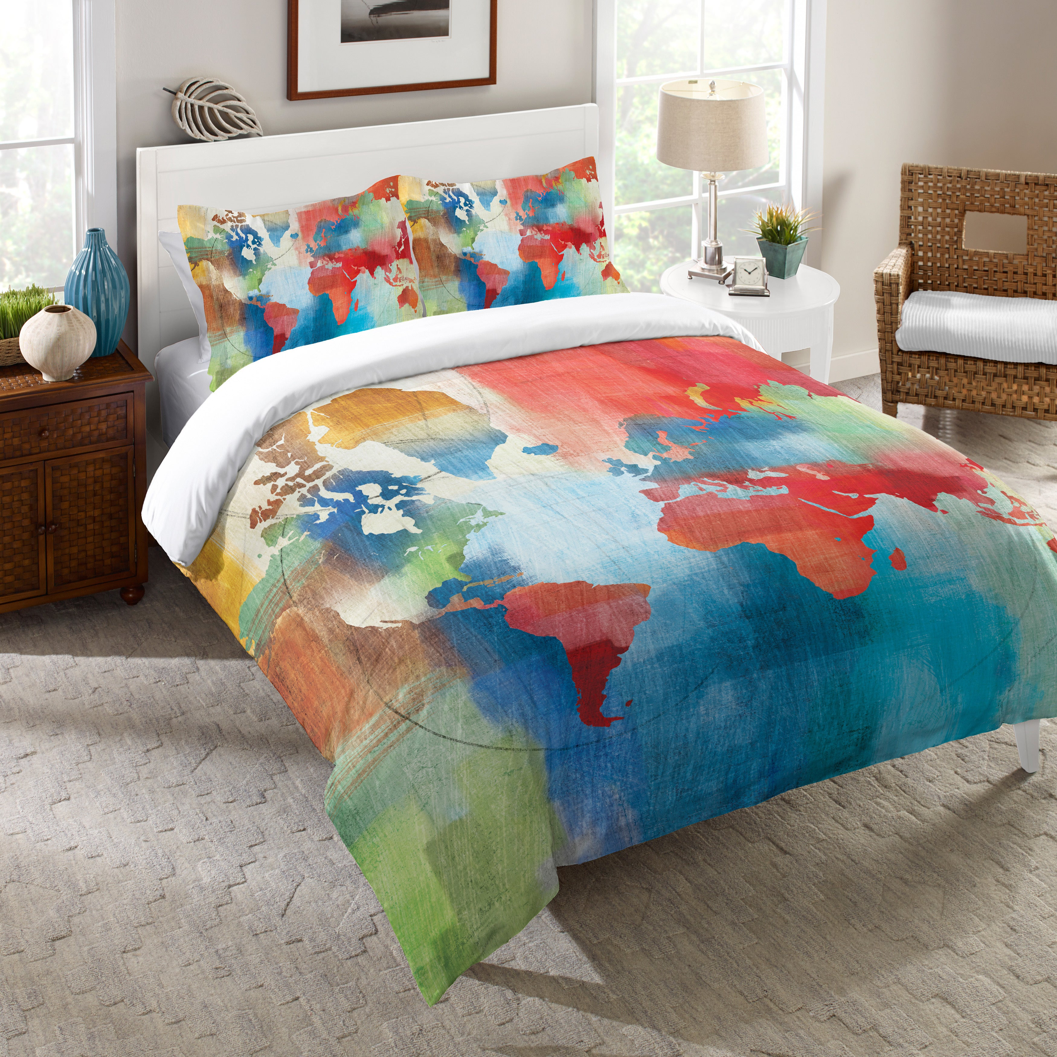 Laural Home Colorful World Map Comforter