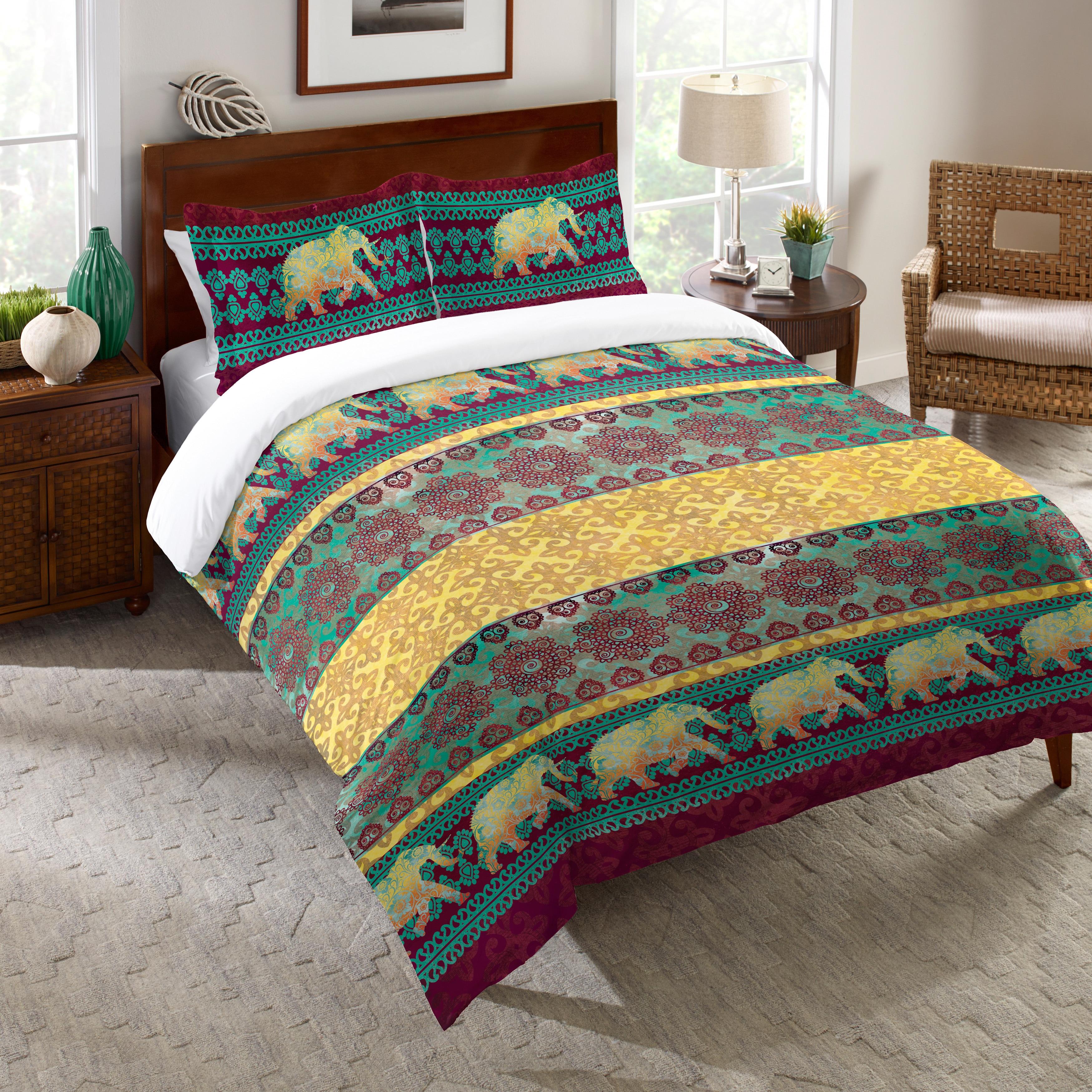 Laural Home Moroccan Elephants Comforter (Queen), Gold (C...