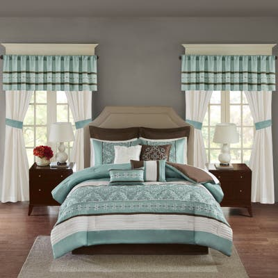 Madison Park Essentials Katarina Seafoam 24-piece Room In A Bag with Window Panel and Sheet Set