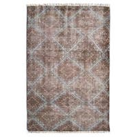 Hand-Knotted Diamond /Polyester Rug (5'X8') - 5' x 8'