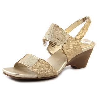 Bandolino Women's 'Comforte' Basic Textile Sandals