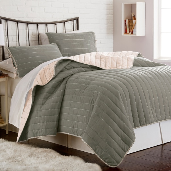 Amraupur Overseas Whip Stich Reversible 3-piece Coverlet Set