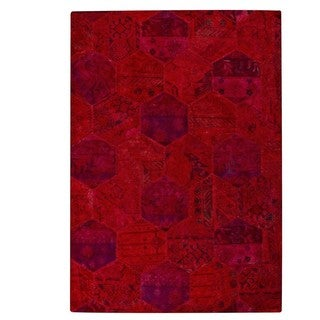 M.A. Trading Hand-tufted Honey Comb Red Rug (5'2 x7'6)