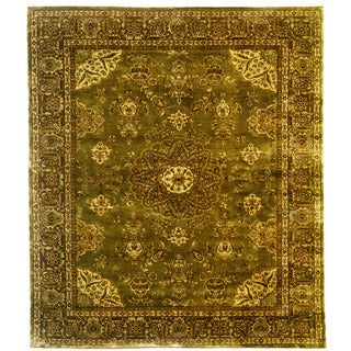 Hand Knotted Classic Agra Design Rug (5'11 x 9')