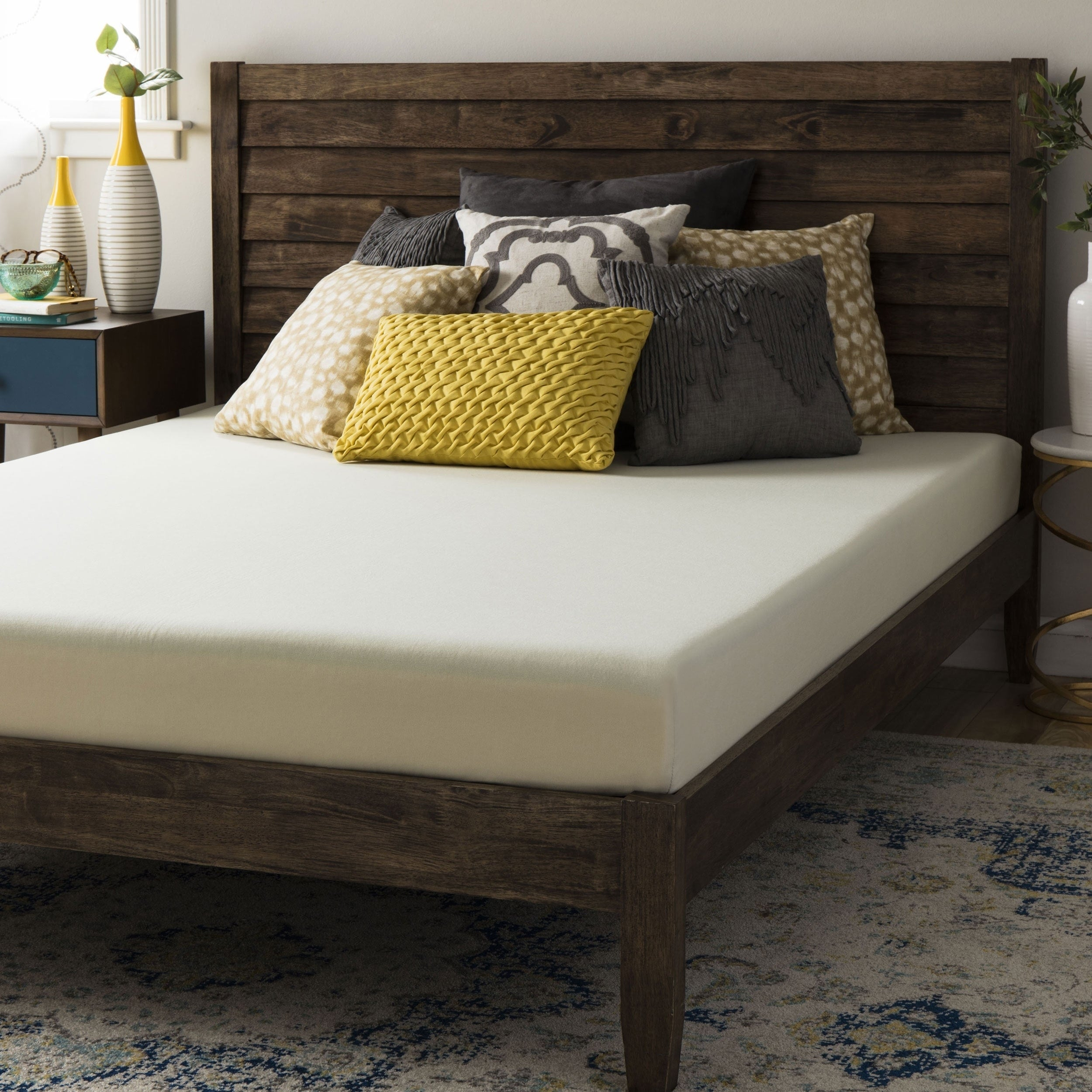 Crown Comfort 6-inch Queen-size Memory Foam Mattress (Que...
