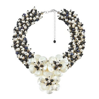 Handmade Midnight Floral Mother of Pearl and Pearl Daisy Necklace (Thailand)