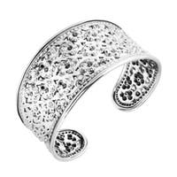 Handmade Field of Daisy Floral Carving Yao Tribe Solid Sterling Silver Cuff (Thailand)