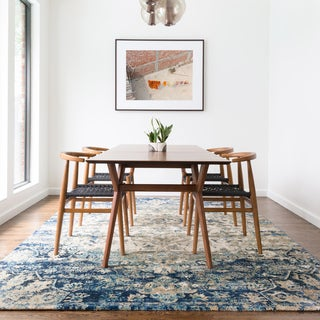 """Traditional Blue/ Ivory Medallion Distressed Rug - 3'7"""" x 5'7"""""""