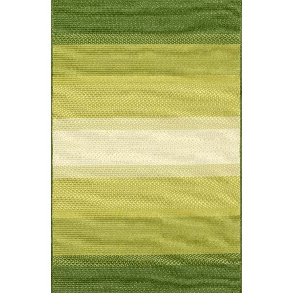 Indoor/ Outdoor Braided Green Rug (5'0 x 7'6) - 5' x 7'6""