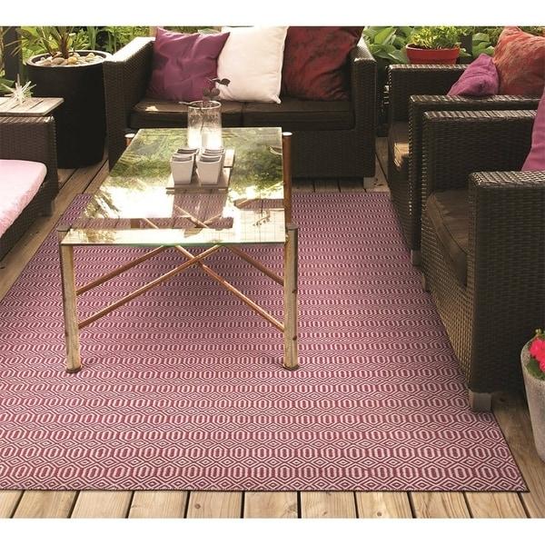 Hand-Woven Villa Circles Pink Indoor/Outdoor Area Rug - 5' x 8'