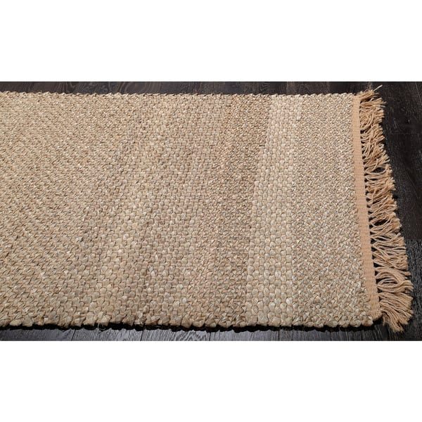 This Jute Carpet Is Made Of Natural Fibers Braided Together To Create A Strong And Durable The Color Rug Light