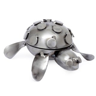 Handmade Iron 'Rustic Turtle' Decorative Box (Mexico)
