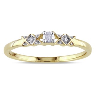 Miadora 10k Yellow Gold 1/10ct TDW Diamond 3-Stone Promise Ring
