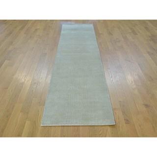 Tone-on-tone Nepali Wool and Silk Oriental Runner Rug (2'3 x 9'10)
