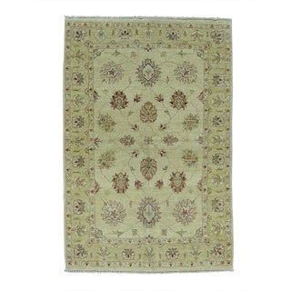 Pure Wool Agra Vegetable Dyes Hand-knotted Oriental Rug (4' x 5'10)
