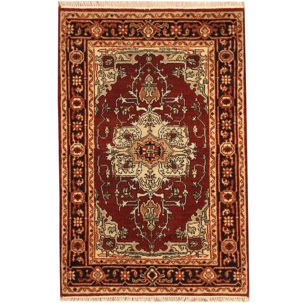 Herat Oriental Indo Hand-knotted Heriz Wool Rug (4' x 6') - 4' x 6'