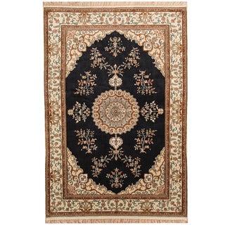 Herat Oriental Indo Hand-knotted Kashmiri Navy/ Ivory Silk Rug (4'1 x 6')