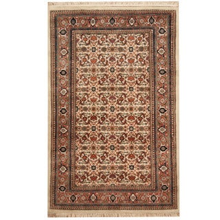 Herat Oriental Indo Hand-knotted Tabriz Ivory/ Salmon Wool & Silk Rug (4' x 6'1)