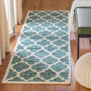 Safavieh Handmade Himalaya Turquoise/ Ivory Geometric Wool Rug (2'3 x 8')