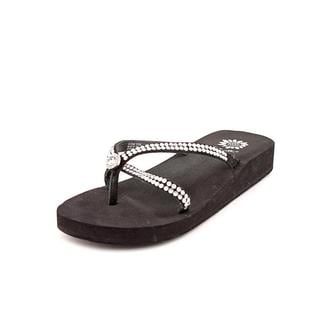 Yellow Box Women's 'Stormy' Leather Sandals