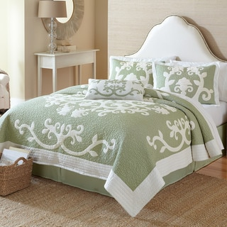 Nostalgia Home Ailani Cotton Quilt