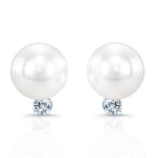 14k White Gold 1/5ct TDW Diamond and Cultured Akya Pearl Earrings (H-I, SI1-SI2)