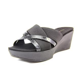Bandolino Women's 'Donovan' Basic Textile Sandals