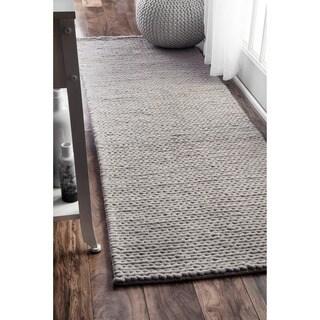 nuLOOM Handmade Chunky Braided Light Grey Wool Runner Rug (2'6 x 8')