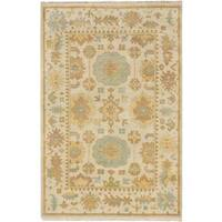 Ecarpetgallery Hand-knotted Royal Ushak Beige Wool Rug (5'10 x 8'10)