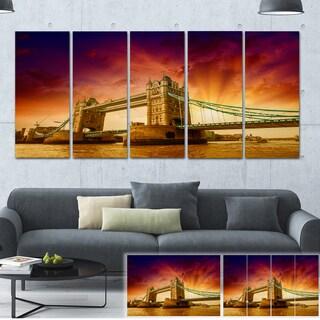 Designart 'Tower Bridge in Its Magnificence' Cityscape Photo Large Canvas Print