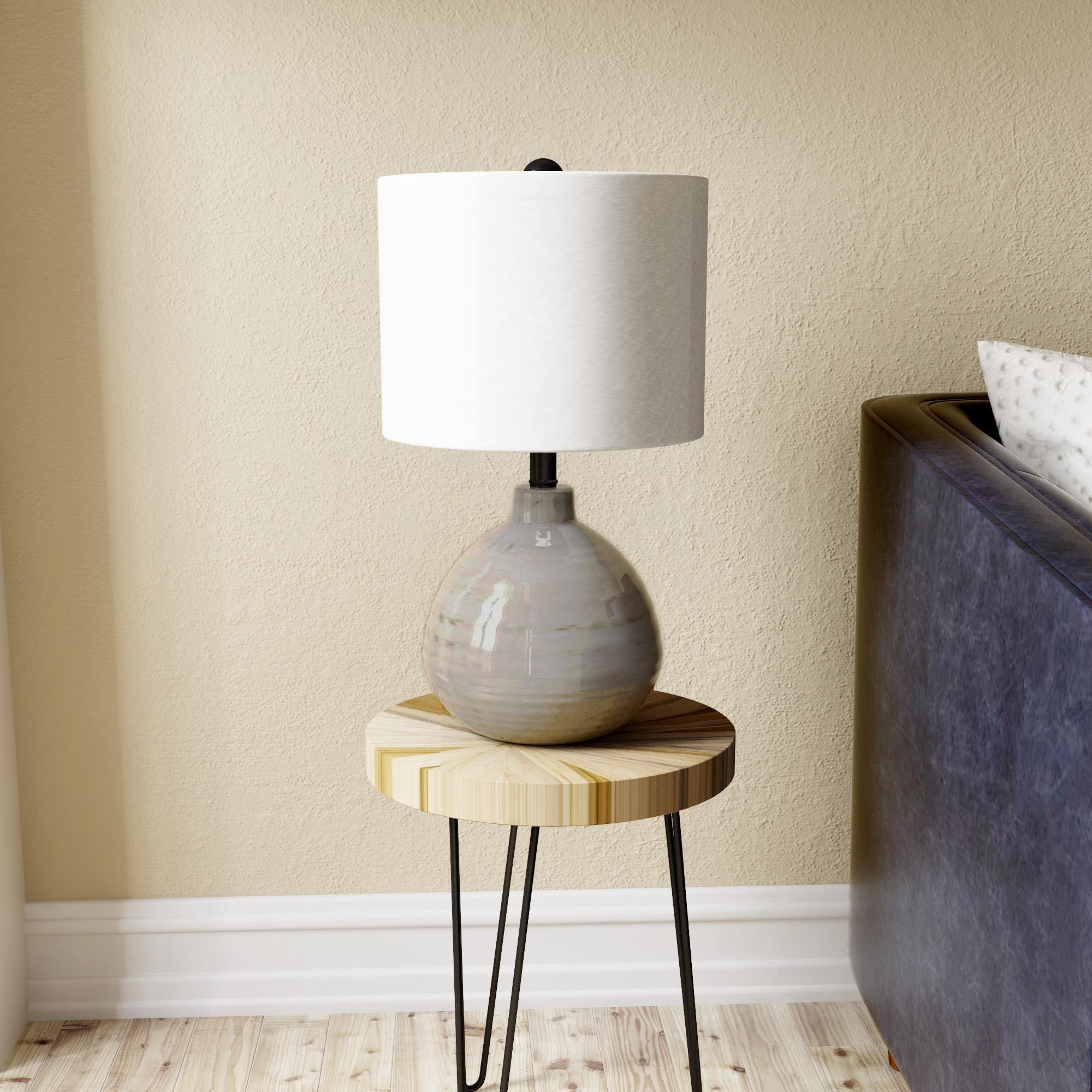 Superbe Ceramic Accent Table Lamp In Grey
