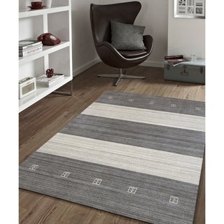Hand-Woven Berkley Charcoal Blended New Zealand Wool and Art Silk Area Rug (4'x6')