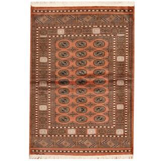 Handmade Herat Oriental Pakistani Bokhara Salmon/ Ivory Wool Rug (Pakistan) - 4' x 6'