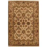 Handmade Herat Oriental Indo Mahal Ivory/ Light Gold Wool Rug  - 4'3 x 6'1 (India)