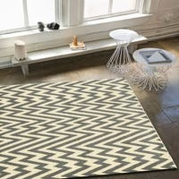 LR Home Grace White / Gray Indoor Area Rug - 5'2 x 7'2