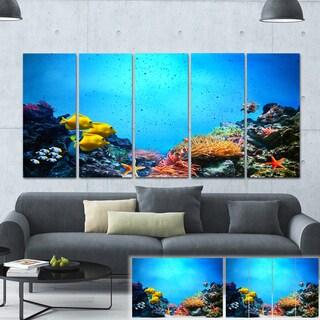 Designart 'Underwater Scene' Seascape Photography Canvas Art Print