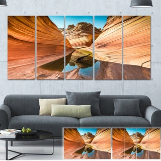Designart 'Water inside Arizona Wave' Landscape Photo Canvas Print
