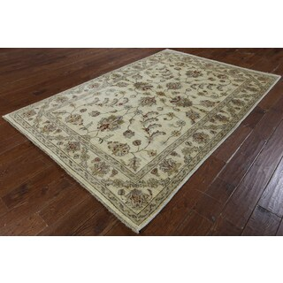 Hand-knotted Chobi Peshawar Ivory Wool Area Rug (5'6 x 8'2)