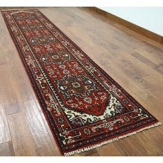 Hand-knotted Heriz Serapi Red Wool Runner Rug (2'9 x 12'6)