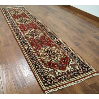 Hand-knotted Heriz Serapi Red Wool Runner Rug (2'6 x 10'6)