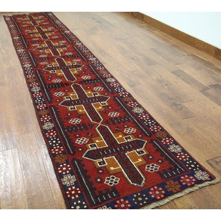 Hand-knotted Balouch Red/Multi Wool Runner Rug (2'7 x 13'3)