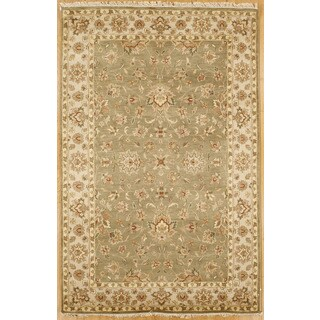 Hand-knotted with Agra Designs Area Rug (5' 5 x 8' 5)